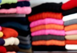 Richtig packen – Kleidung und Lebensmittel