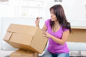 Umzugstipps zum Verpacken, Planen der Einrichtung und Entsorgung